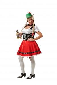 Jodle Heidi kommer dansende ind til festen til stor morskab for gæsterne.